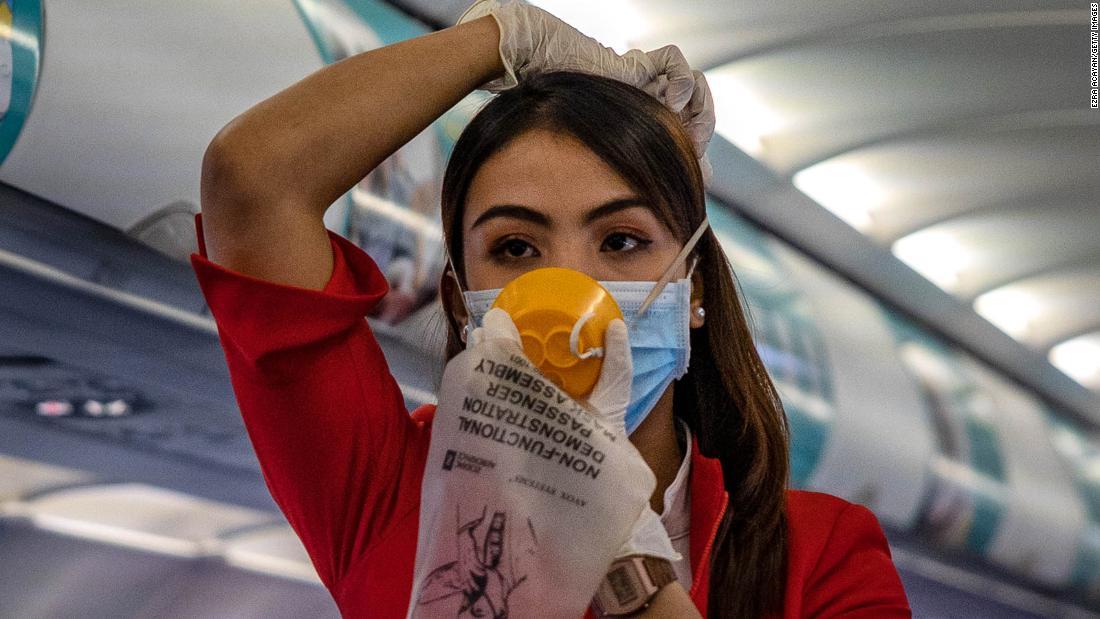 Почему в самолёте необязательно надевать трусы на голову