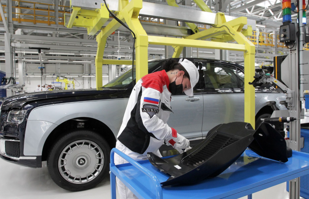Россия начинает производство элитного седана