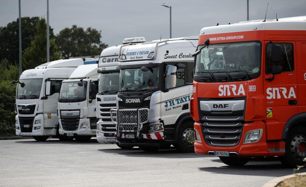 Великобритания упростит визы для водителей грузовиков