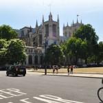 Великобритания позволит использовать беспилотные автомобили
