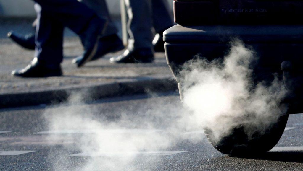 Климатические НПО в Германии угрожают судебным иском против VW, Daimler, BMW