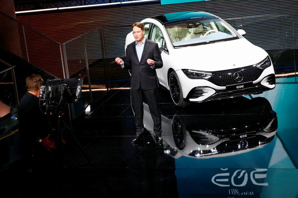 Генеральный директор Daimler заявил, что автопроизводители могут столкнуться с нехваткой чипов в 2023 году