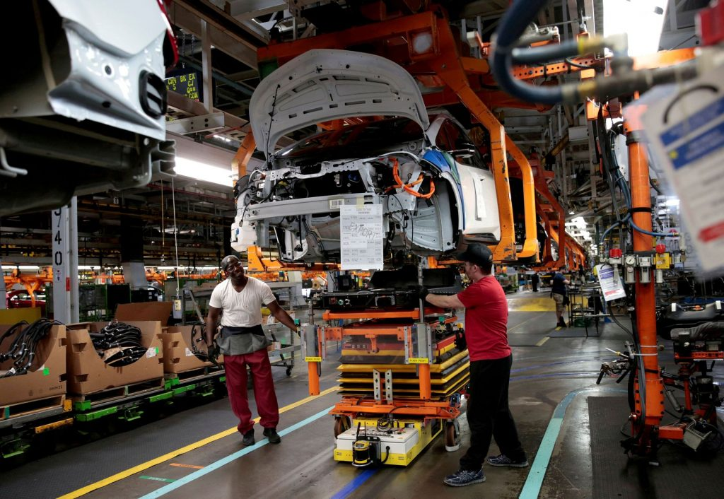 GM сотрудничает с LG Corp, чтобы ускорить устранение возгорания батареи Bolt