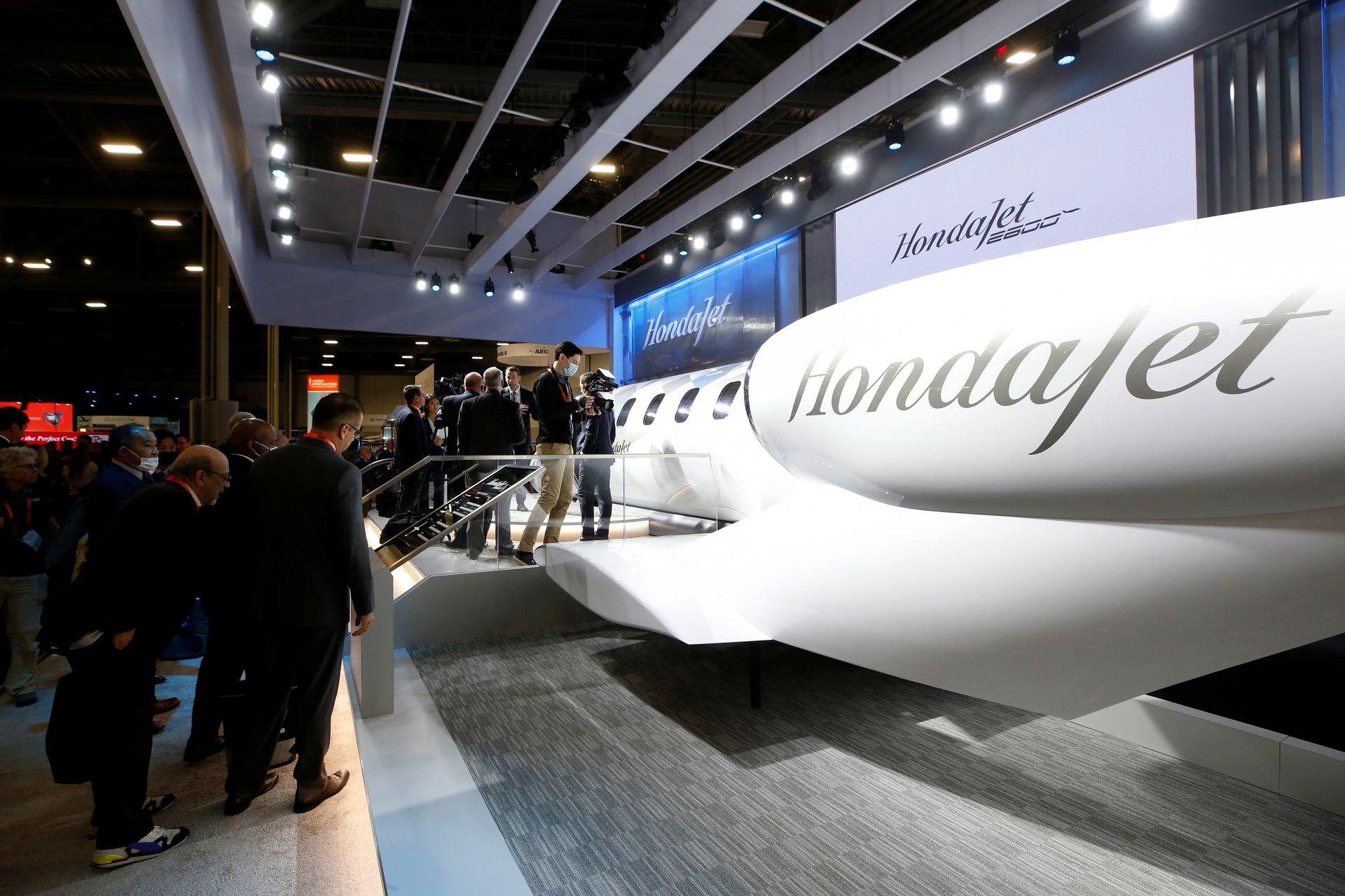 Honda представляет новую модель легкого реактивного самолета, поскольку частные поездки стремительно растут