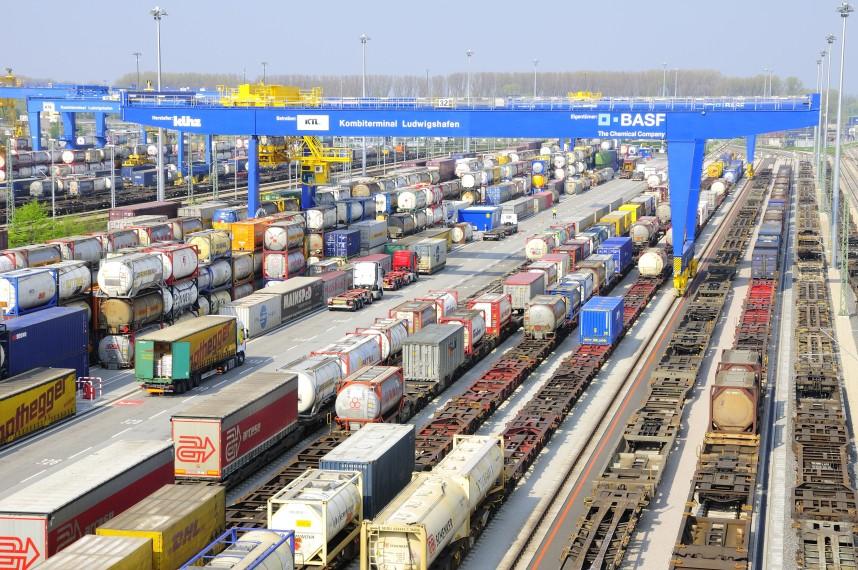 DHL запустила два состава из Германии в Китай