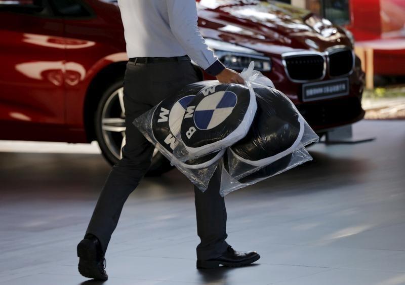 FIRMEN-BLICK-BMW планирует наступление на электромобили