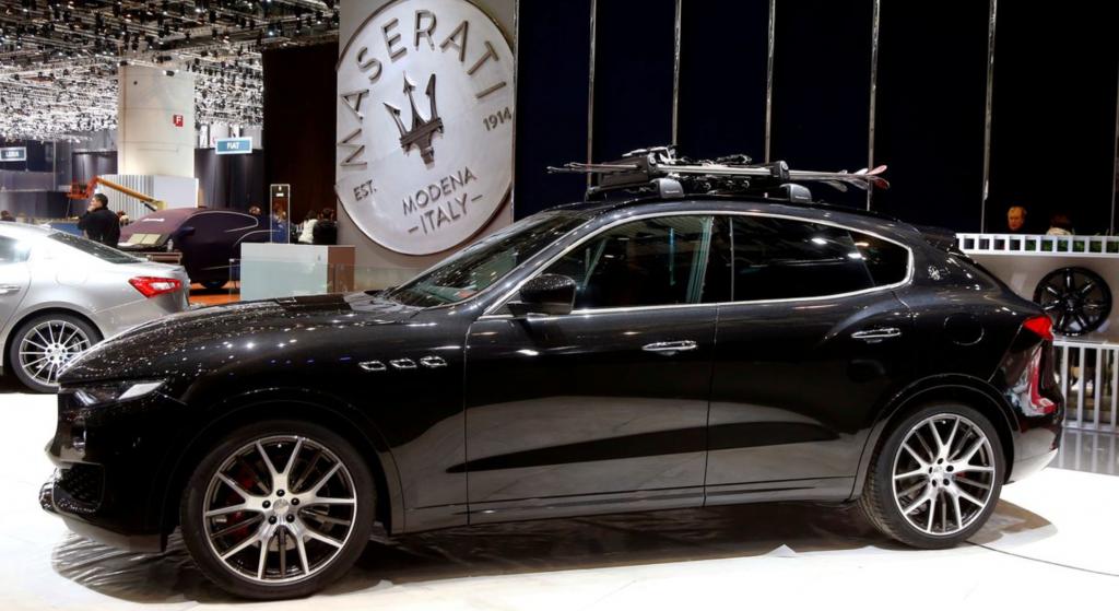 Автомобиль Maserati Levante SUV на выставочном стенде Maserati перед 87-м Международным автосалоном в Palexpo в Женеве, Швейцария, 6 марта 2017 года. REUTERS / Arnd Wiegmann / File Photo