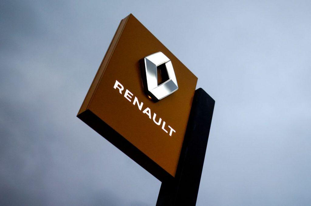 Renault частично остановит производство в Испании до 31 декабря из-за нехватки микрочипов