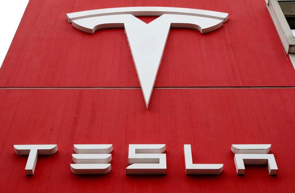 Производство Tesla в Китае остановилось на несколько дней в августе из-за нехватки микросхем
