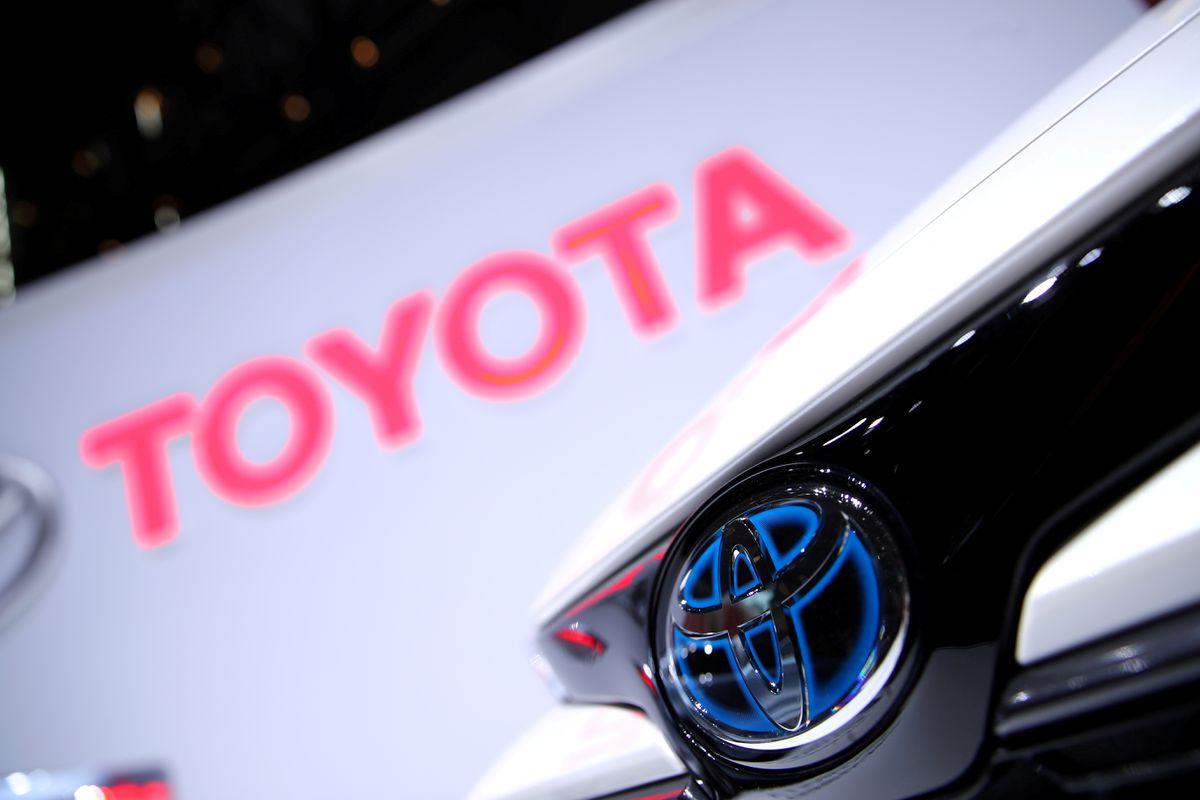 Toyota сокращает производство в ноябре, но придерживается годовой цели