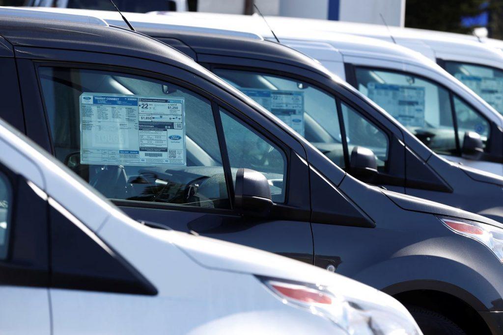 В сентябре продажи новых автомобилей в США упадут на 25%