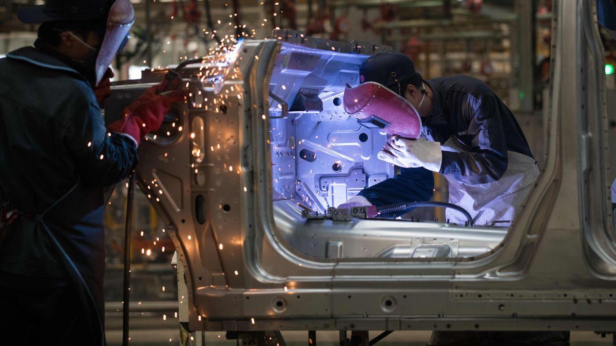 Эпидемия коронавируса поразила крупнейший автомобильный рынок планеты