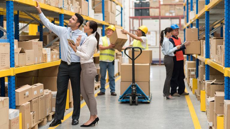 Спад повышает спрос на мелкие склады