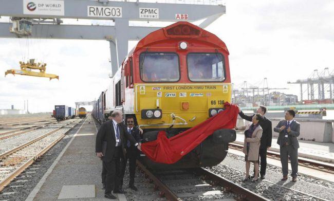 Из Лондона вышел первый грузовой поезд в Китай