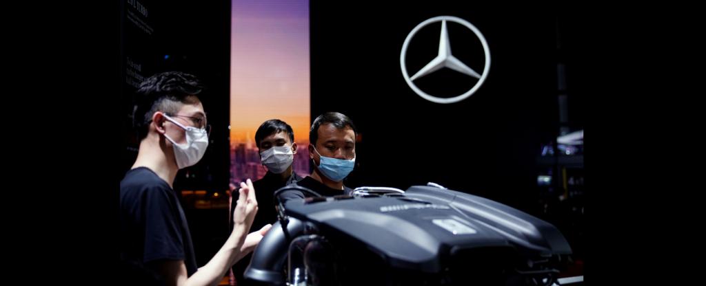 Daimler повышает прогноз по прибыли