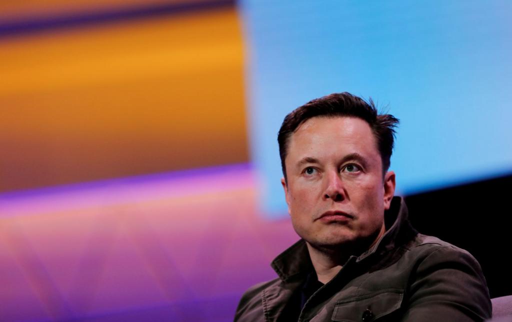 Стоит ли рассматривать акции Tesla в условиях продолжающейся распродажи технологий